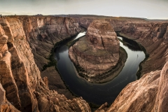 Horseshoe-Bend-sunset-pan